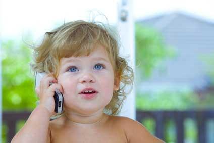 L'acquisition du langage chez bébé: de ses premiers 'areu' à ses premiers mots !