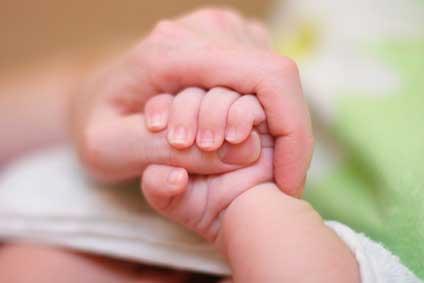 Comment prendre en charge un bébé aux besoins intenses ?